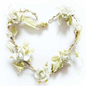 guirlande-rose-blanche-en-forme-de-cœur-