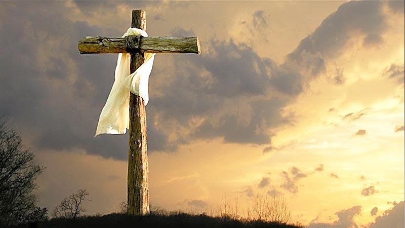 cruz-de-jesus-en-medio-del-campo